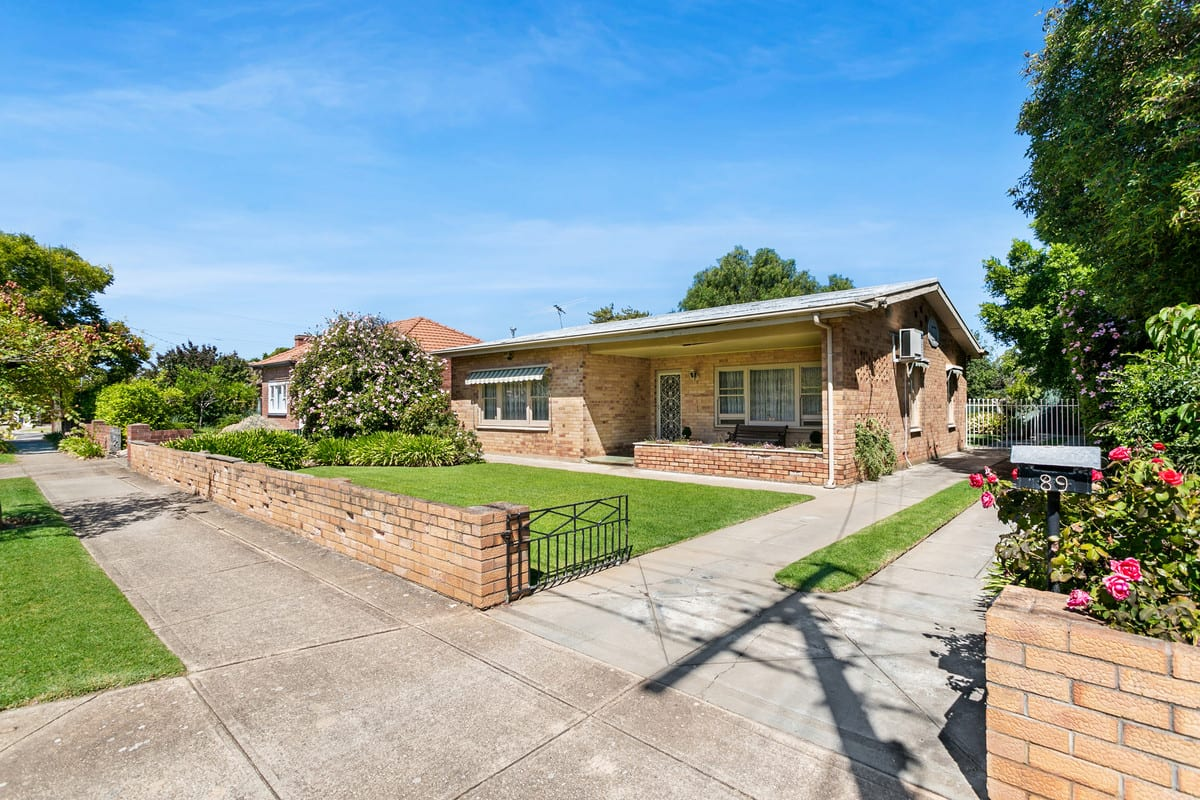 home for sale Broadview